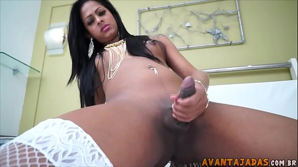 Uol sexo com travesti masturbando
