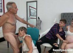 Sexo quente com gravida casada na troca de casais
